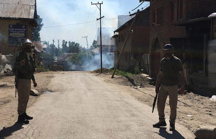 Jammu and Kashmir, Pulwama, Shopian, Militants, Terrorists, Pakistan