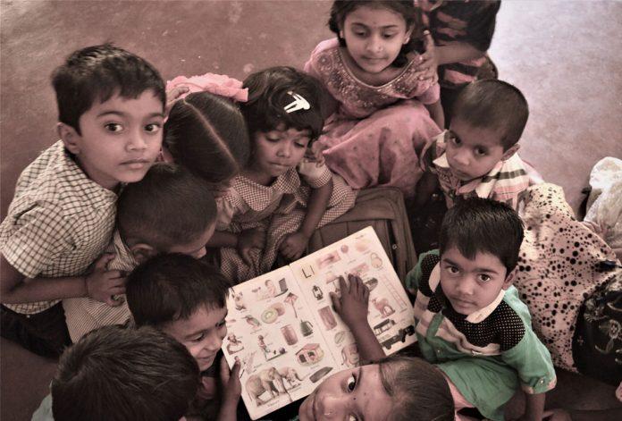 English, Kannada, Education, English medium schools, HD Kumaraswamy, Karnataka, Bengaluru, IT, Affluence, Class, Teachers, the federal, english news website