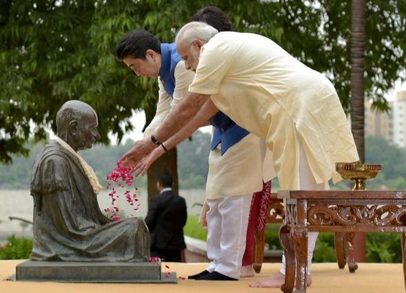 Modi, Gandhi, anniversary