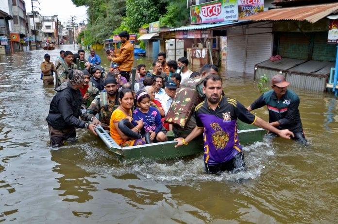 Kerala, Karnataka, Maharashtra, Andhra Pradesh, NDRF, SDRF, Rescue, Relief, Rahul Gandhi