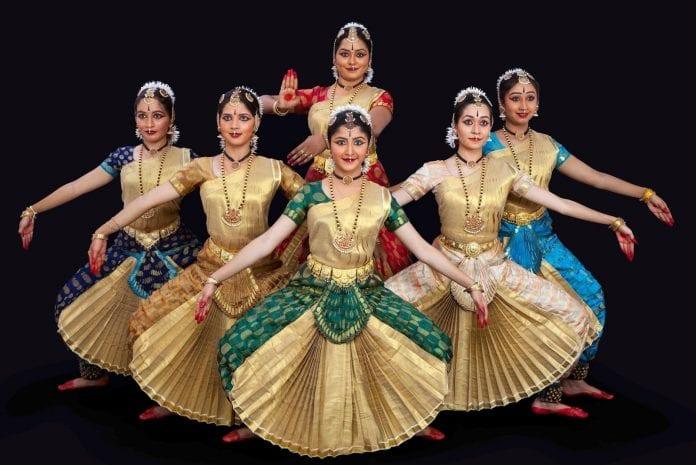 Chinese president Xi Jinping, Prime Minister Narendra Modi, Mahabalipuram, Mamallapuram, visit, folk art forms, traditional art forms, Tamil art forms, Kombattam, Thappattam, Poi kaal kudhirai aattam, Silambattam, Oyilattam,