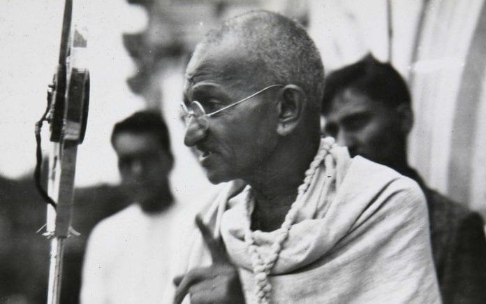 Mahatma Gandhi, Gujarat school, school, Private schools