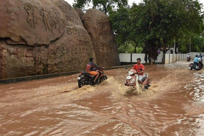 Tamil Nadu, Puducherry, heavy rains, weather, schools shut, Vellore, Tirunelveli, Ramanathapuram, Tuticorin, Virudhunagar, Madurai and Theni, fishermen, sea, dams, reservoirs, river basins, depression, cyclonic storm, Central Water Commission