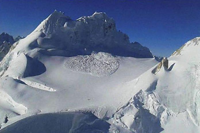 Siachen, army men, stuck, avalanche, rescue operations, eight men, patrol