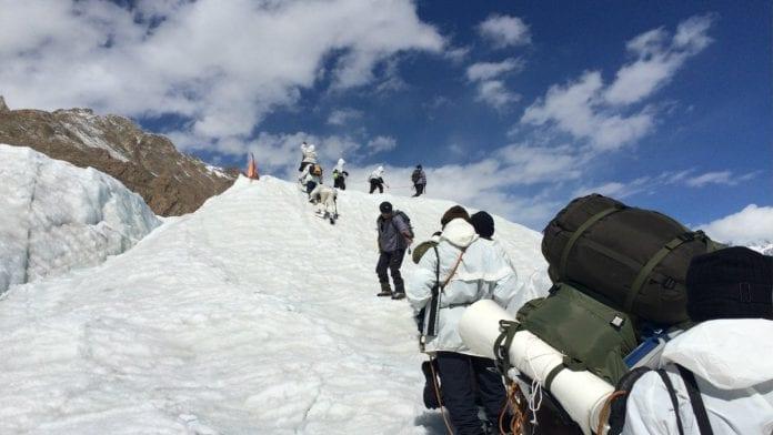 Siachen, battlefield, soldiers, avalanche