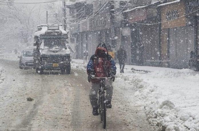 Drass, Shimla, Delhi, north India, snowfall, unexpected rainfall, MeT department, flights diverted,