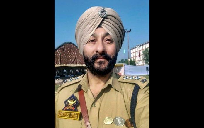 J&K Police officer Davinder Singh arrested with Hizbul Mujahideen militants