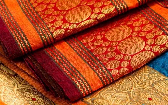 kashi temple, varanasi, dress code, saree, women, dhotis, men, suggestion