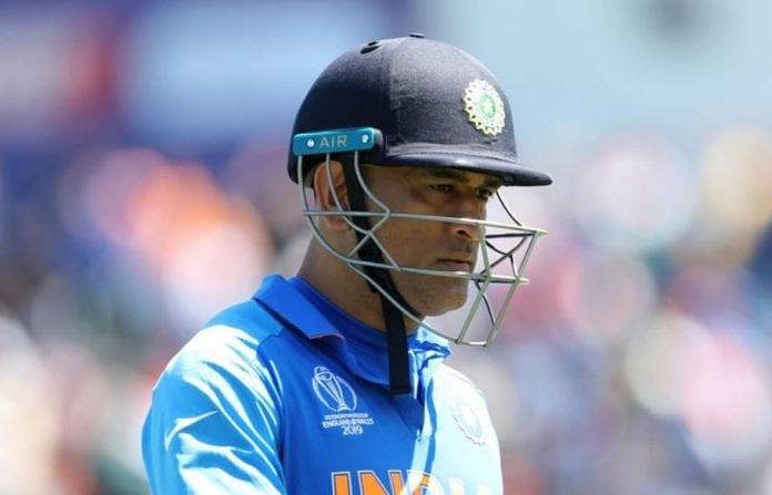 Mahendra Singh Dhoni, Mike Hesson, Kapil Dev, Chennai Super Kings, Indian cricket team