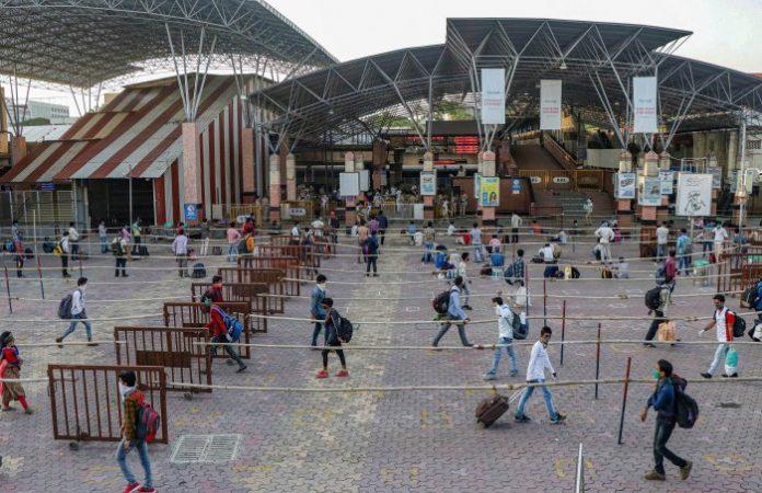 Pune, migrant workers, migrant labourers, stranded migrants, Lockdown, coronavirus, COVID-19
