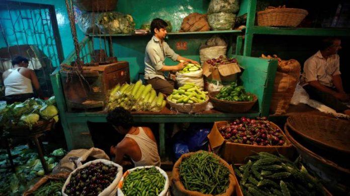 Azadpur Mandi, coronavirus, COVID-19, Lockdown, Delhi, vegetable market