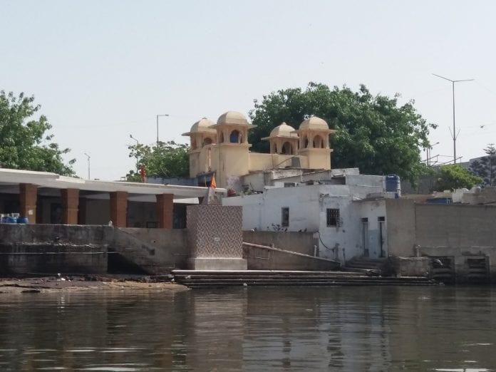 Hindu temple, Karachi, Pakistan, Hindu rituals, coronavirus, COVID-19, Lockdown