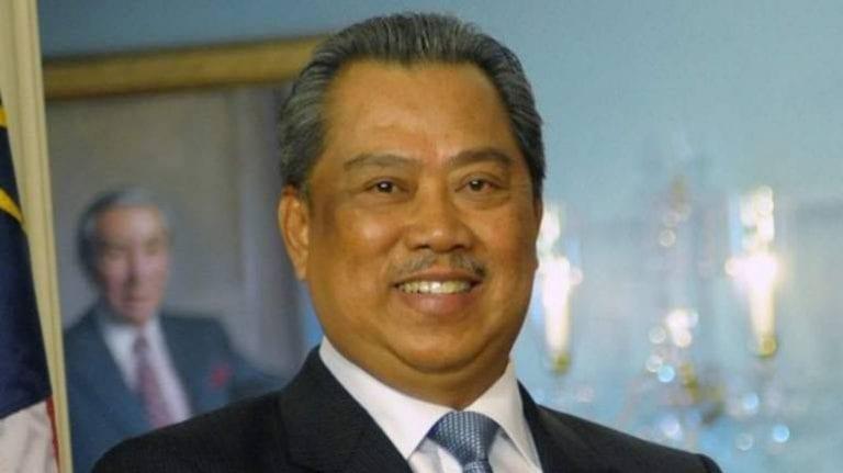 Muhyiddin Yassin sworn as Malaysia PM amid crisis, Mahathir fights on